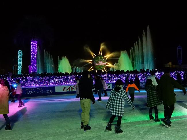 噴水ショー開催時のスケートリンク
